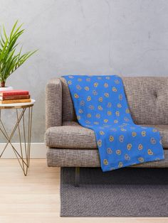 """""""West Covina! Pretzels!"""" Throw Blanket by Ukulily 