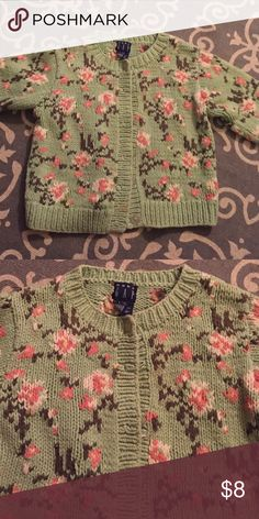 Gap sweet sweater Adorable pink/green sweater Gap Shirts & Tops Sweaters