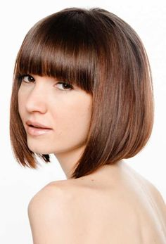Angled bob hairstyles with bangs is known to be a beautiful angled bob that can make you look few years younger than your age. Bob Haircut With Bangs, Haircut For Thick Hair, Short Hair With Bangs, Short Hair Cuts, Choppy Bangs, Blunt Bangs, Full Bangs, Fringe Bangs, Medium Hair Cuts