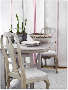 Painted Chairs: Custom Reproduction Gustavian Furniture- Swedish Furniture, Gustavian, Swedish Interiors, Swedish Decorating, Nordic Decorating, Scandinavian