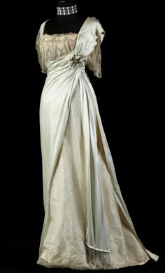 Evening gown, by the House of Worth, ca. 1910s