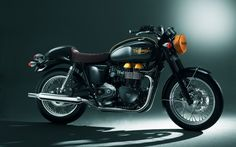 Classic factory café style from Triumph.