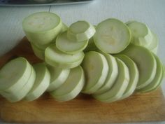 Tasty, Yummy Food, Honeydew, Diy And Crafts, Fruit, Fine Dining, Preserves, Salads, Delicious Food