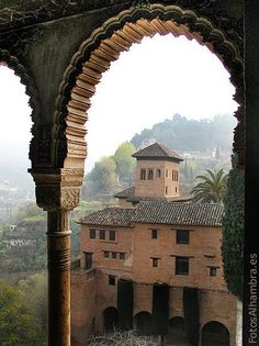 Granada Andalucia, Alhambra Spain, Travel Around The World, Around The Worlds, Le Palais, Islamic Architecture, Spain And Portugal, Beautiful Places In The World, Moorish