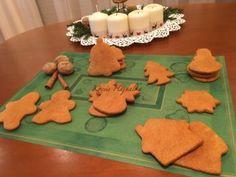 Mézeskalács tej és tojás nélkül   mókuslekvár.hu Tej, Sugar Art, Gingerbread Cookies, Healthy Recipes, Healthy Food, Food And Drink, Desserts, Gingerbread Cupcakes, Healthy Foods
