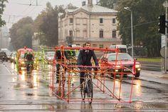 Stel je voor dat de fiets evenveel ruimte zou innemen als de auto. Zouden onze dorpen en steden dan nog leefbaar zijn?   Bekijk het experiment.