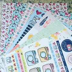 Vejo divisórias fofineas   .  .  #scrapbook #scrapbooking #papelariafofa #papelaria #plannercommunitybrasil #eusouvep #plannercommunity #plannersetup #plannergirl #simplestories #simplestoriesposh #tokeecrie #tec