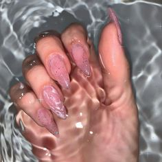 Discovered by imaltzin. Find images and videos about nails, nail art and nailart on We Heart It - the app to get lost in what you love. Edgy Nails, Aycrlic Nails, Grunge Nails, Stylish Nails, Bling Acrylic Nails, Summer Acrylic Nails, Best Acrylic Nails, Summer Nails, Pink Acrylics