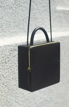 Los Angeles-based Building Block has yet again delivered a collection of bags that redefines functional pieces into an elegant minimalism. Looking back at their previous collections, the style has subtly evolved toward a more mature and luxurious directio