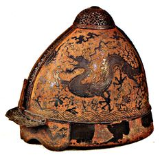 Yuan Dynasty helmet, probably belonging to a high-ranking officer or general involved in the Mongol invasions of Japan. Note the dragon chasing the luminous pearl. Preserved at the Mongol Invasion Museum, Japan. Taipei, Kublai Khan, Chinese Armor, Ancient Armor, Warring States Period, Vintage Helmet, Arm Armor, Body Armor, Chinese Antiques