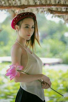 Yếm (bib) and lotus Vietnamese Traditional Dress, Traditional Dresses, Pretty Asian, Beautiful Asian Women, Vietnam Girl, Lingerie Fine, Asian Hotties, Asian Doll, Ao Dai