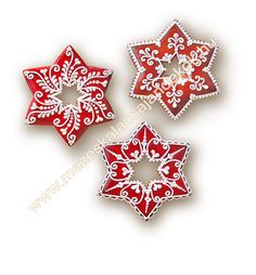 Gingerbread cookie decoration - use red and white icing to make this intricate pattern Christmas Sugar Cookies, Christmas Sweets, Christmas Gingerbread, Noel Christmas, Holiday Cookies, Christmas Baking, Snowflake Cookies, Star Cookies, Iced Cookies