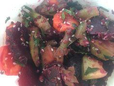 Salata de Iarna cu Sfecla Rosie si Quinoa Quinoa, Potatoes, Vegetables, Food, Salads, Potato, Veggies, Veggie Food, Meals