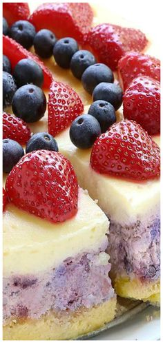 Sugar Apron No Bake Classic Woolworth CheesecakeNo Bake Woolworth Cheesecake is a classic, light and lemony dessert and will be the perfect addition to Fluff Desserts, Köstliche Desserts, Delicious Desserts, Dessert Recipes, Fruit Recipes, Pie Recipes, Summer Recipes, Recipies, Graham Crackers