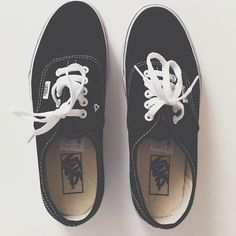 im not sure why i dont have a pair of black vans yet.