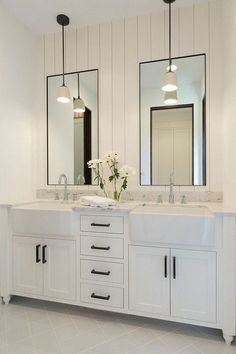Bathroom decor for the master bathroom remodel. Discover master bathroom organization, bathroom decor tips, master bathroom tile a few ideas, master bathroom paint colors, and much more. Bad Inspiration, Bathroom Inspiration, Bathroom Inspo, Mirror Inspiration, Bathroom Trends, Furniture Inspiration, Modern Farmhouse Bathroom, White Farmhouse, Urban Farmhouse