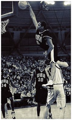 A dunk to end all dunks -  US Olympic Team Vinsanity jumps over Weis!!