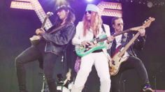 Weezer Hilariously Impersonate Guns N' Roses In New Music Video, & It's Too Funny For Words!