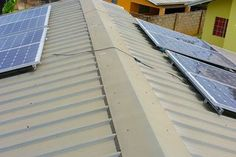 Solar Powered Air Conditioning Unit. : 6 Steps (with Pictures) - Instructables Off Grid Solar Power, Solar Energy Panels, Best Solar Panels, Solar Energy System, Solar Roof Tiles, Solar Projects, Energy Projects, Solar House, Solar Panel Installation
