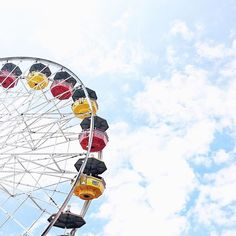 Always looking up, even on a Monday. 🎡 #santamonica #losangeles #ferriswheel #summer