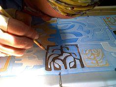 "Demo of silk scarf painting by artist Adriana ""Gigi"" Mederos"