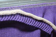 Knitting Machine How To Attach Bands To Sweater ; strickmaschine wie man bänder am pullover befestigt ; machine à tricoter comment attacher des bandes à un pull ; máquina para hacer punto cómo unir bandas al suéter Knitting Patterns Free Dog, Knitting Stitches, Knitting Yarn, Knitting Ideas, Brother Knitting Machine, Knitting Baby Girl, Knitting Accessories, Pullover, Knitting Projects
