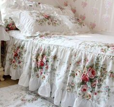 FADFAY Home Textile,New European Vintage Floral Rose Bedding Set,Shabby Floral Country Style Bedding Set,White Lace Ruffle Bedding Sets Queen Size Shabby Chic Mode, Shabby Chic Bedrooms, Shabby Chic Kitchen, Shabby Chic Style, Shabby Chic Furniture, Shabby Chic Decor, Bedroom Furniture, Distressed Furniture, Shabby Vintage