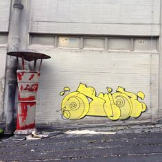 Kicking yellow! #ruin #ruiniert #ts90 #zfa #graffiti #t-up #throwie