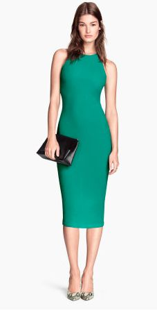 Fun pop of color dress. Could also be worn as a skirt with a sweater over the top. Loved the color and so basic can be used may different ways. From H&M