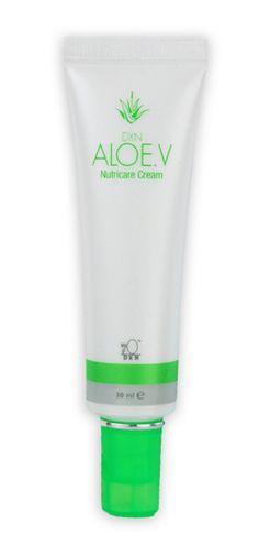 Aloe V Nutricare Cream -  Crema da notte reintegrante.  Contiene estratto di Aloe Vera e diversi estratti vegetali efficaci che formano uno strato di protezione per prevenire la deidratazione della pelle. Mantiene, coccola e rilassa la pelle mentre Lei dorme, aiutando così la rigenerazione delle difese immunitarie e dell'idratazione naturali. http://italia.dxneurope.eu/products