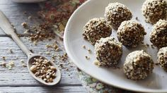 These raw carrot cake bliss balls are a sweet yet guilt-free snack for when those arvo muchies hit. Clean Eating Recipes, Raw Food Recipes, Wine Recipes, Cooking Recipes, Paleo Food, Healthy Food, Snack Recipes, Dessert Recipes, Healthy Eating