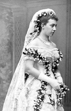 1881 Victoria of Baden's wedding dress
