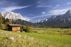 Wellness und Natur in #Südtirol. 1000m² Wellnessbereich mit Saunawelt, Fitnessraum, Pool- und Ruhebereich sowie kulinarische Highlights erwarten euch im 4-Sterne Taubers Unterwirt Aktiv & Vitalhotel. Die malerische Natur bietet sich für schöne Wanderungen an. Für 99€ inklusive Frühstück übernachtet ihr im DZ zu zweit. #hotel