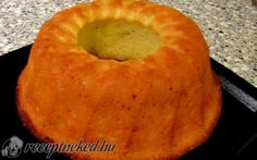 Habkönnyű-citromos kuglóf recept fotóval Spicy Recipes, Real Food Recipes, Cookie Recipes, Ring Cake, Hungarian Recipes, Holiday Dinner, Culinary Arts, Pound Cake, Cake Cookies