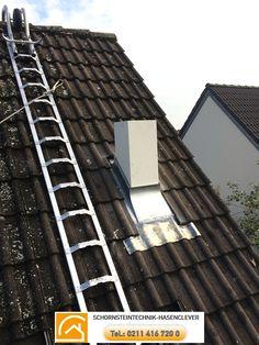 Schornsteintechnik Schornsteinbauteile Hasenclever 7 Die Dachziegel werden zugeschnitten und das Blei angepasst http://schornsteinbauteile.de/