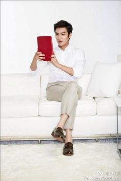 You are mine Korean Celebrities, Korean Actors, Celebs, Hot Korean Guys, Korean Men, So Ji Sub, Lee Min Ho Kdrama, Boys Before Flowers, Park Shin Hye