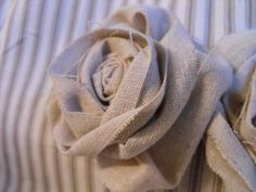 Burlap flower, a must for my new lamp (and maybe pillows too!)