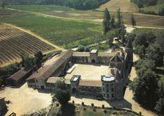 Château de Malromé. Σ' αυτόν τον πύργο που ανήκε στη μητέρα του, πέθανε το 1901, σε ηλικία 37 ετών, ο Toulouse-Lautrec. Καρτ-ποστάλ Delcampe.