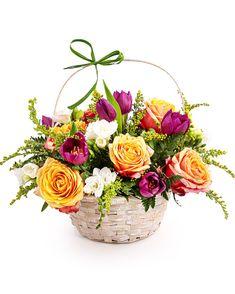 Comandă un coș cu flori colorate și dăruiește-l cuiva drag cu orice ocazie. Florile vesele sunt cel mai sigur mod prin care poți aduce zâmbete pe chipurile celor la care ții. Acest coșuleț conține trandafiri, lalele și frezii și este alegerea ideală pentru un cadou de zi de naștere sau aniversare. Prin propriul serviciu de livrare în România, cadoul ales va ajunge la destinație în doar 2-4 ore și în cele mai bune condiții. Magnolia, Floral Wreath, Wreaths, Home Decor, Floral Crown, Decoration Home, Door Wreaths, Room Decor, Magnolias