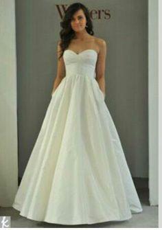 I want this dress so bad, it has pockets!