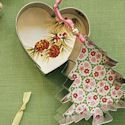 Christmas ornaments to make. cute but with different prints
