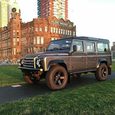 Land Rover Defender 110 Td4 customized bronze edition