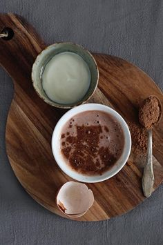 Treat Your Skin to 4 Homemade Honey Face Masks | HelloNatural.co / Holistic Beauty <3