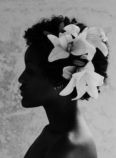 Wedding hairstyles for short natural hair. Short bridal hairstyles for women with TWA hair. Add flowers to your teeny weeny afro. Back to natrual.