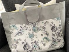 Tote bag with outside pockets on front and back panels. Good width and length for carrying lots. Diaper Bag, Pockets, Tote Bag, Sewing, Bags, Handbags, Dressmaking, Couture, Diaper Bags