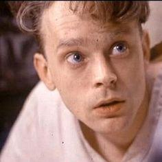 Brad Dourif as Billy Bibbit