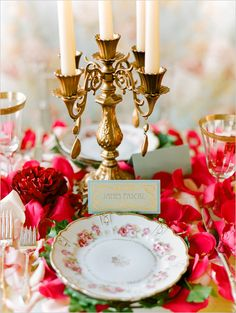 art deco inspired tablescape #weddingreception #placesetting #weddingchicks http://www.weddingchicks.com/2014/03/10/art-deco-wedding-ideas/