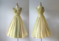 vintage 1950s dress / 50s dress / Cabbage Roses by Dronning