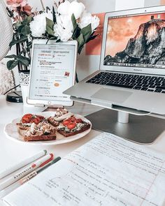 You're going to spend a lot of time at your dorm desk, so you might as well make it functional and productive. That's why dorm room desk organization is. Desk Organisation Student, Dorm Desk Organization, Organization Ideas, Study Areas, Study Space, Studyblr, Dorm Room Desk, Study Room Decor, Study Corner