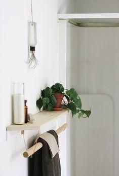 Het is geen complete verbouwing die we voorstellen maar een leuk klein klusje waarvan het resultaat geweldig zal zijn. Maak dit leuke handdoekenrek voor je keuken of badkamer zelf.